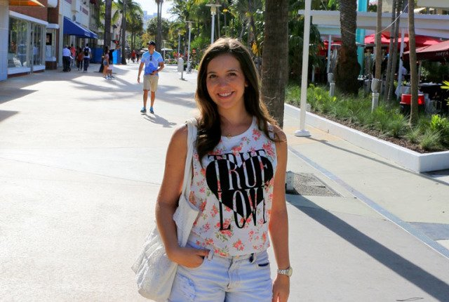 Look do dia na rua Lincoln road em Miami