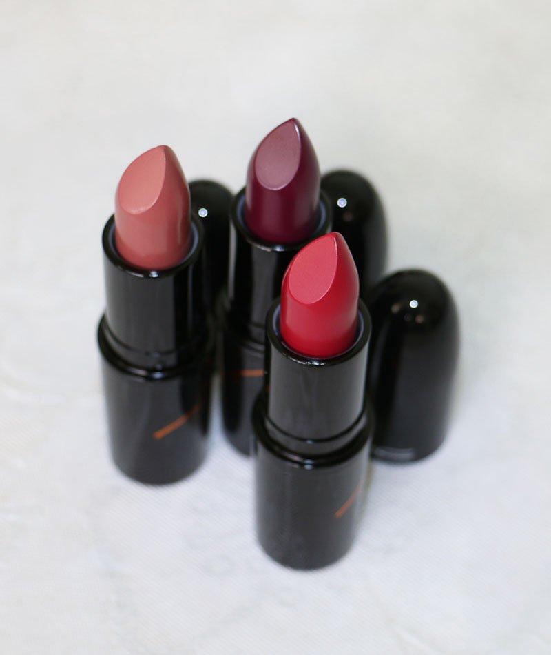 Batons da coleção da blogueira Julia Petit para MAC Cosmetics - Boca, Açaí e Petite Red
