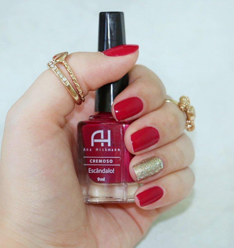 Esmalte vermelho cremoso - Escândalo da Ana Hickmann, swatch em unhas