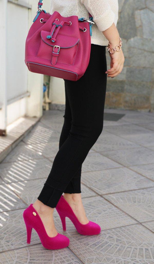 Look do dia com Melissa rosa by Vivienne Westwood e bolsa saco da Anacapri