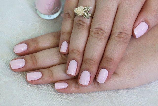 Unha para o Dia dos Namorados: esmalte rosa claro Vult cremoso Namorico