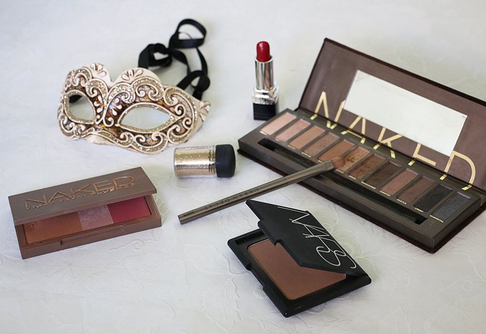 paleta-Naked-Flushed-bronzeador-Nars-batom-Dior