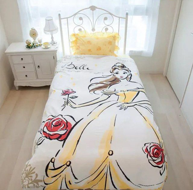 """jogo de cama de """"A Bela e a Fera"""""""